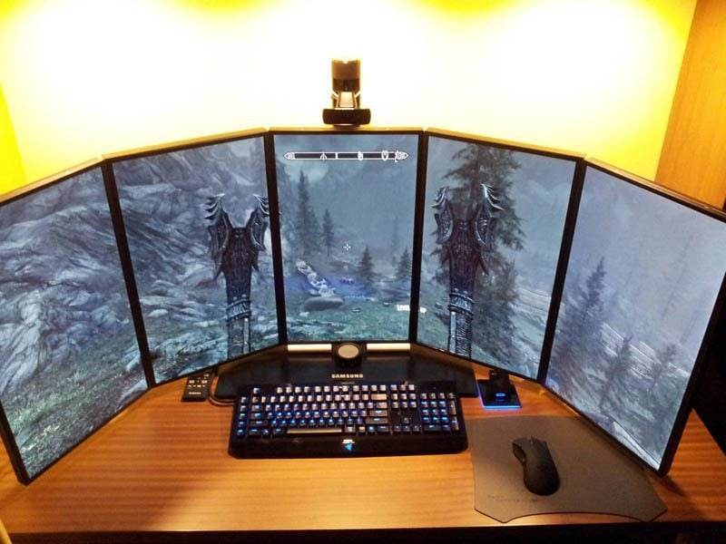 how do you hook up dual monitors to a pc