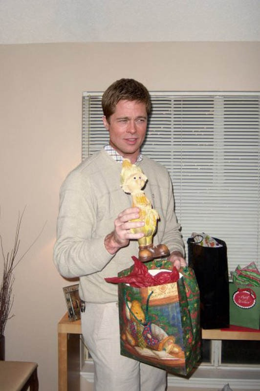 photoshopping-famous-people-celebrities-into-holiday-party-33