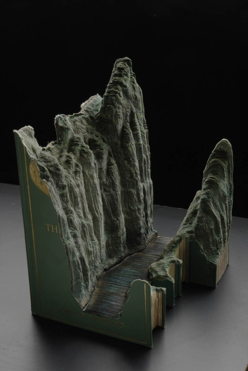 landscapes-carved-into-books-guy-laramee-12