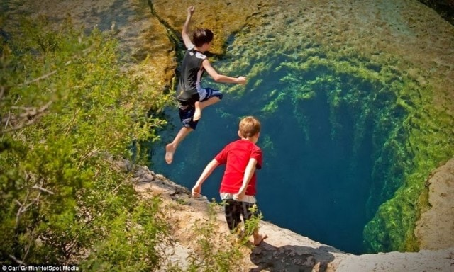 jacobs-well-wcth01-640x384