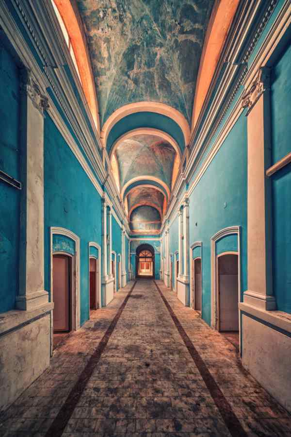 42 Of The Most Beautiful Abandoned Places On Earth That Will Give You Chills