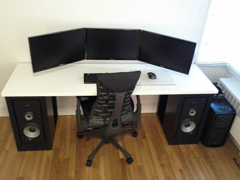 21 Of The Coolest Dual Monitor Setup You Ll Ever See