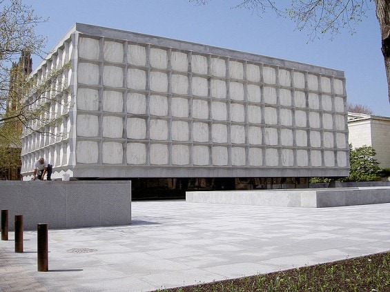 800px-Yale-beinecke-library-565x423
