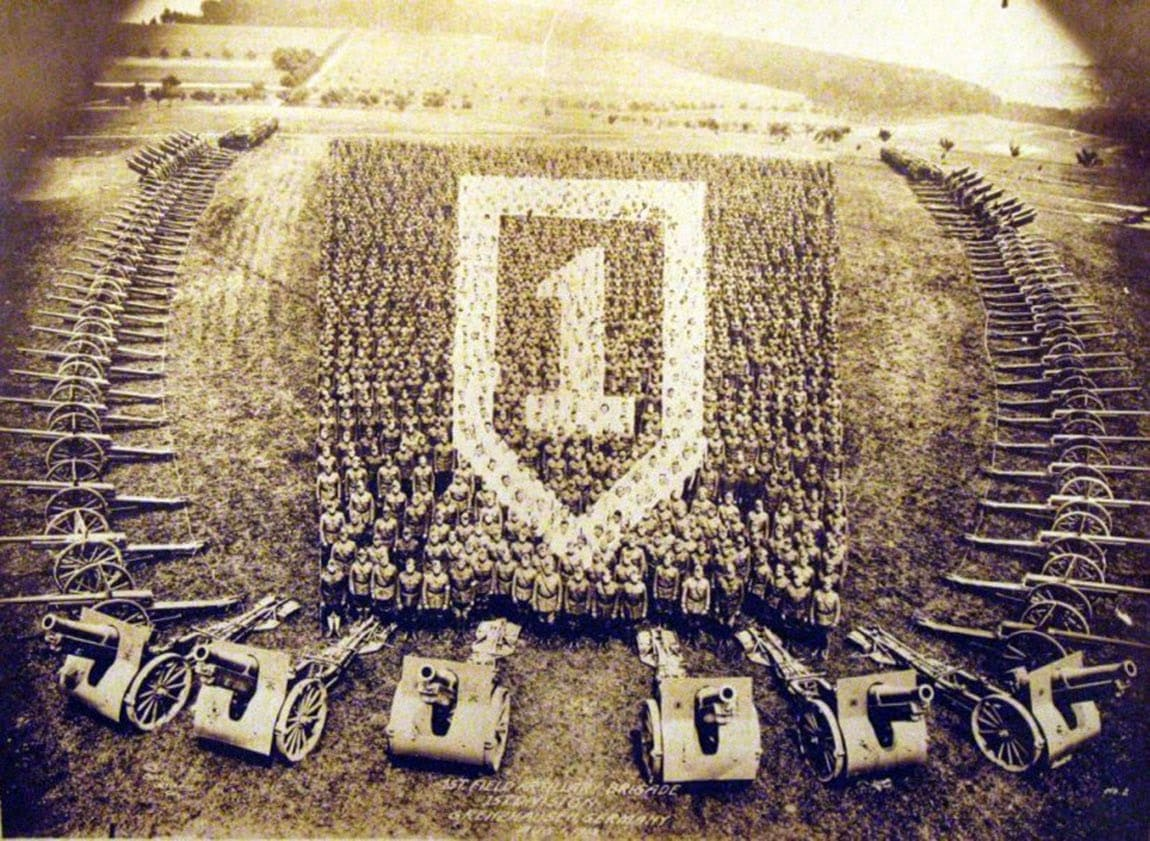 living-photographs-photographs-created-by-assembling-sailors-and-soldiers-1918-8