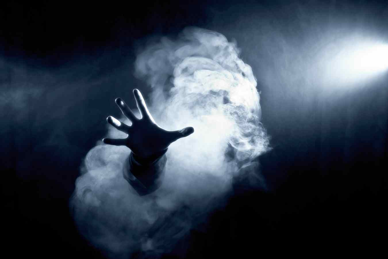 of the most terrifying two sentence horror stories ever told ghost hand smoke lights creepy horror fear ghost