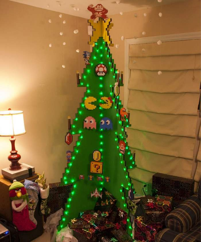 pac-man-christmas-tree-Optimized