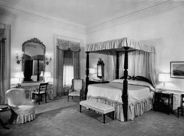 The white house residence pictures of bed