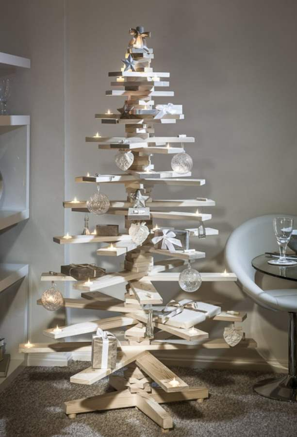 wooden-boards-christmas-tree-Optimized